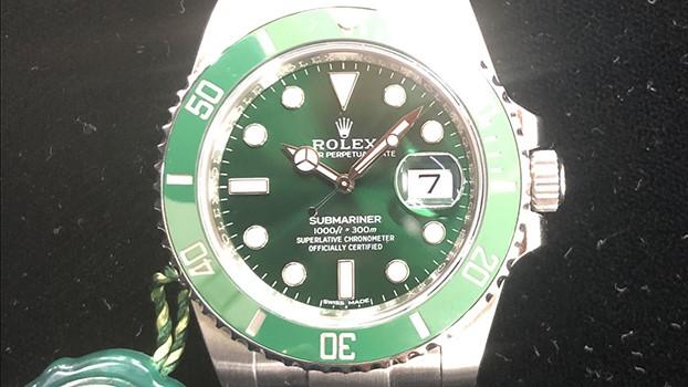 ロレックス 緑サブ2